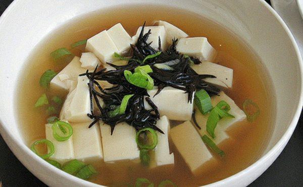 Receta Vegana: Sopa Oriental de Tofu con Algas