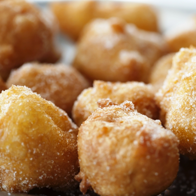 Buñuelos con azúcar de panela