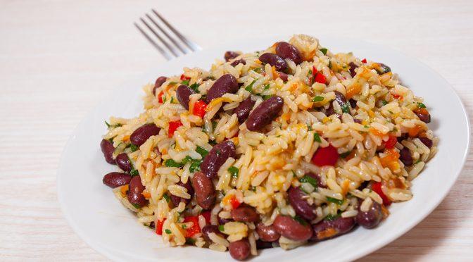 Receta de arroz y azukis con verduras y agua de coco