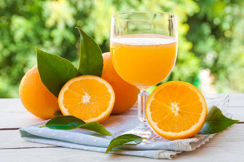La importancia de tomar zumo de naranja natural