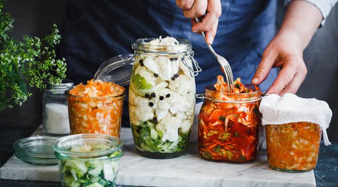 Por qué los alimentos fermentados son tan beneficiosos