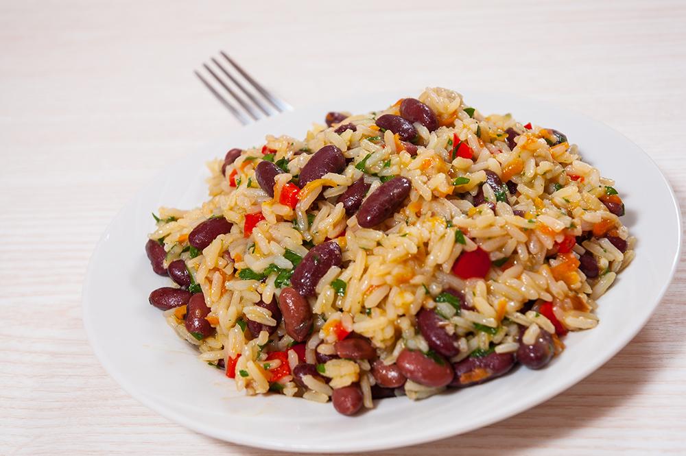 Recetas de arroz y azukis con verduras y agua de coco