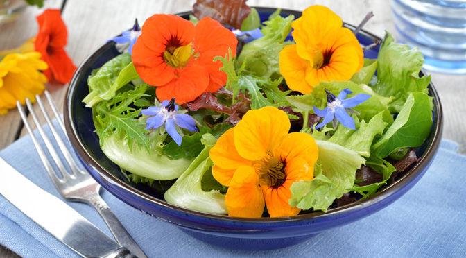 Recetas: Tres platos 'healthy' con flores comestibles